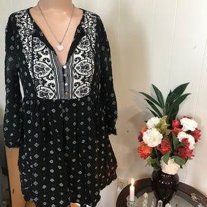 Forever 21 Black & White Mini Dress Size Small